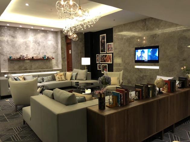 新影联•华谊兄弟影院重装内景-VIP休息区