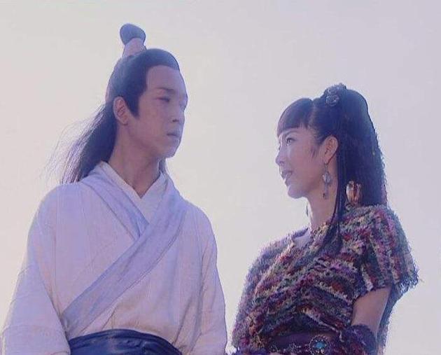 刘希媛在《白蛇传》中饰演连翘