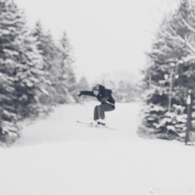 王源滑雪照遭吐槽 网友微博围观祝福