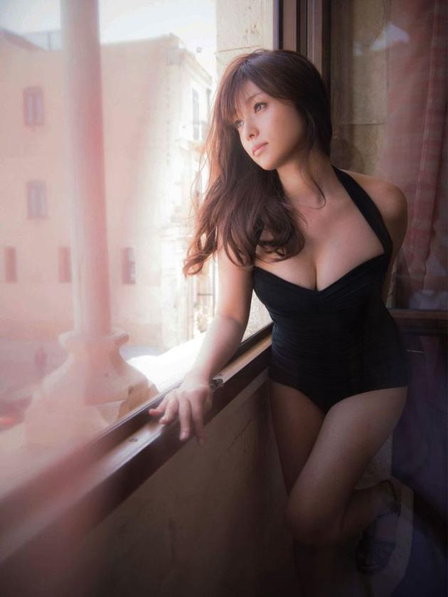 深田恭子最新写真