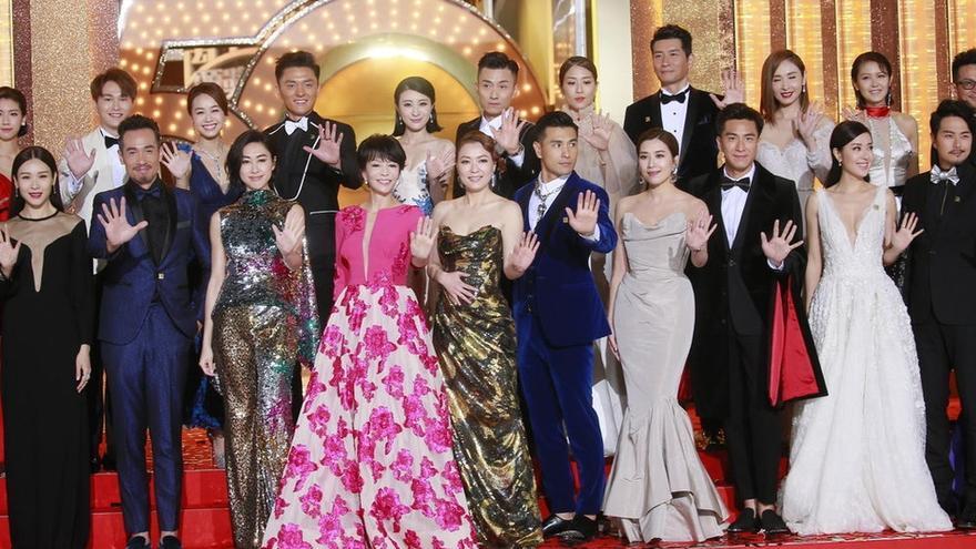 TVB台庆红毯 众女星透视深V性感装束争妍斗丽
