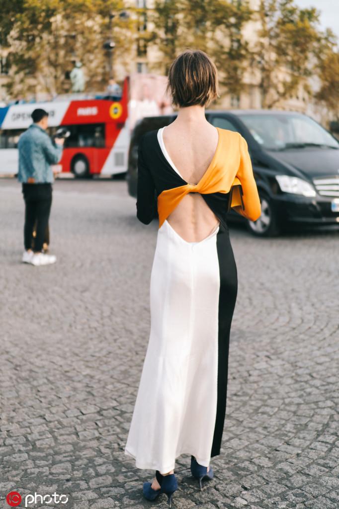 露背式连衣裙