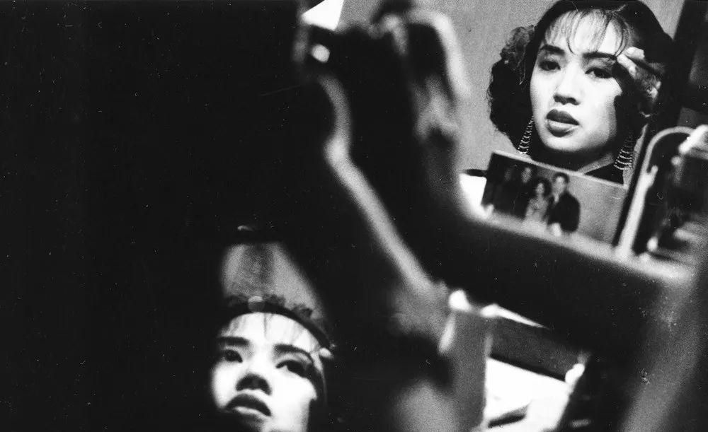 摄于电影《胭脂扣》(1987)现场,导演关锦鹏,摄影:叶锦添