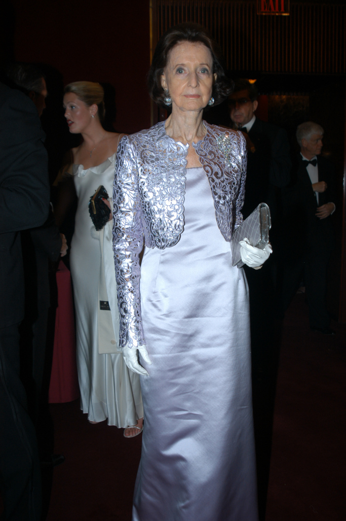 Jayne Wrightsman attends the Suzy Menkes event at the Metropolitan Opera in 2003.