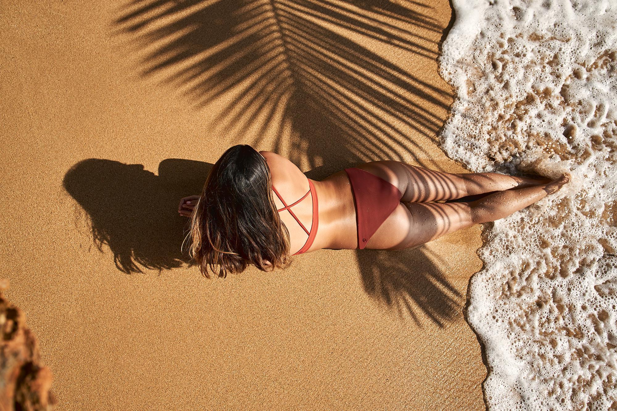 自在畅游 泳者无畏:lululemon推出全新夏日泳装系列|泳装