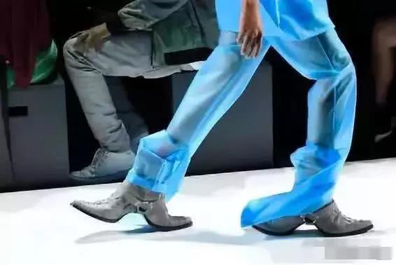 这鞋子...