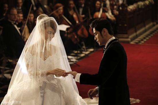 【婚嫁】昆凌自曝周董求婚全过程 创意求婚虐死单身鳖
