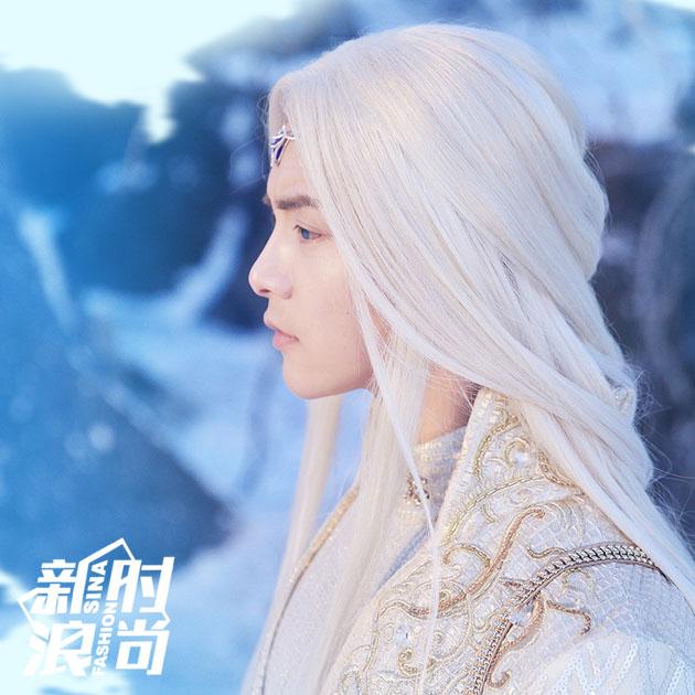 马天宇的白色长袍