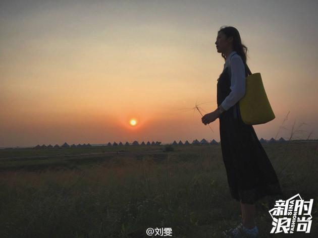 草原夕阳中的表姐