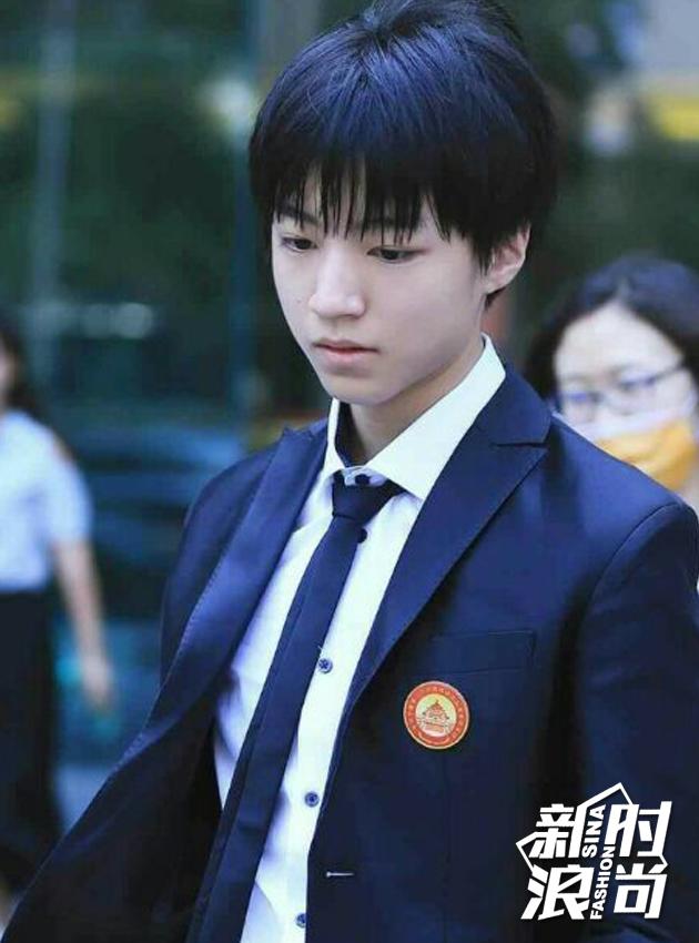 从重庆八中学生会副主席到全国学联代表
