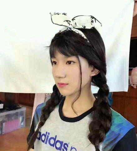 朱碧石回归王俊凯变小公主 型男穿女装是辣眼