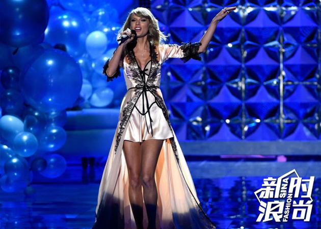 2014年表演嘉宾:Taylor-Swift
