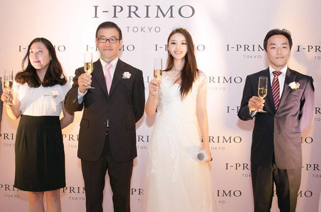 林允受邀与Primo Japan株式会社董事副社长、海外事业负责人 林雄一(Yuichi Hayashi)、璞琳梦(上海)珠宝商业有限公司董事长、总经理藤江秀一(Shuichi Fujie)共同举杯祝酒