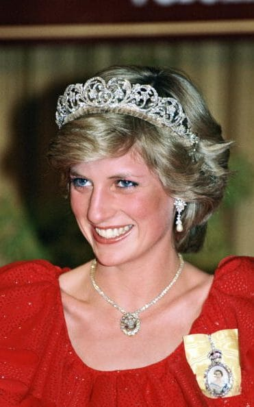 1983年9月戴安娜和查尔斯王子一同出访澳大利