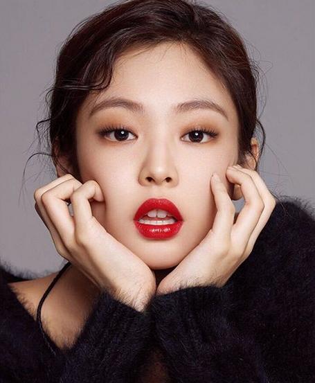 Jennie 红唇