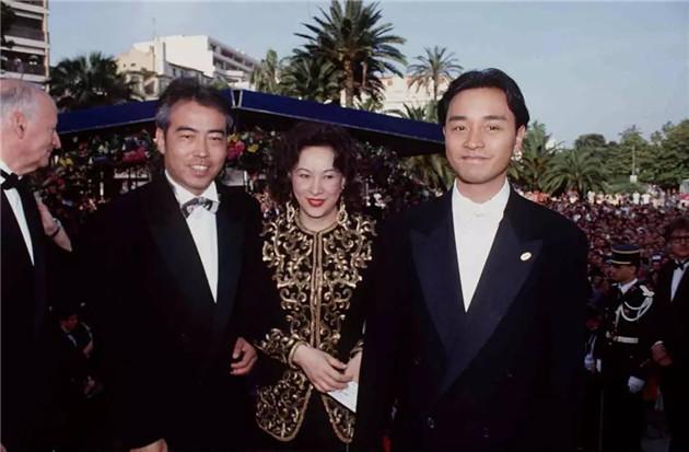《霸王别姬》剧组戛纳红毯造型(由左至右:陈凯歌、徐枫、张国荣)
