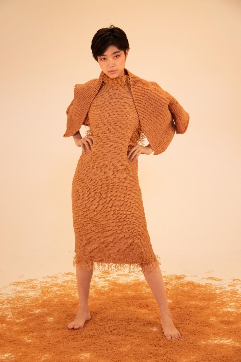 你以为这是毛衣 其实它是用橡皮筋织的