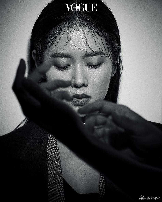 玄彬孙艺珍合拍韩版VOGUE大片 高颜值组合极度养眼
