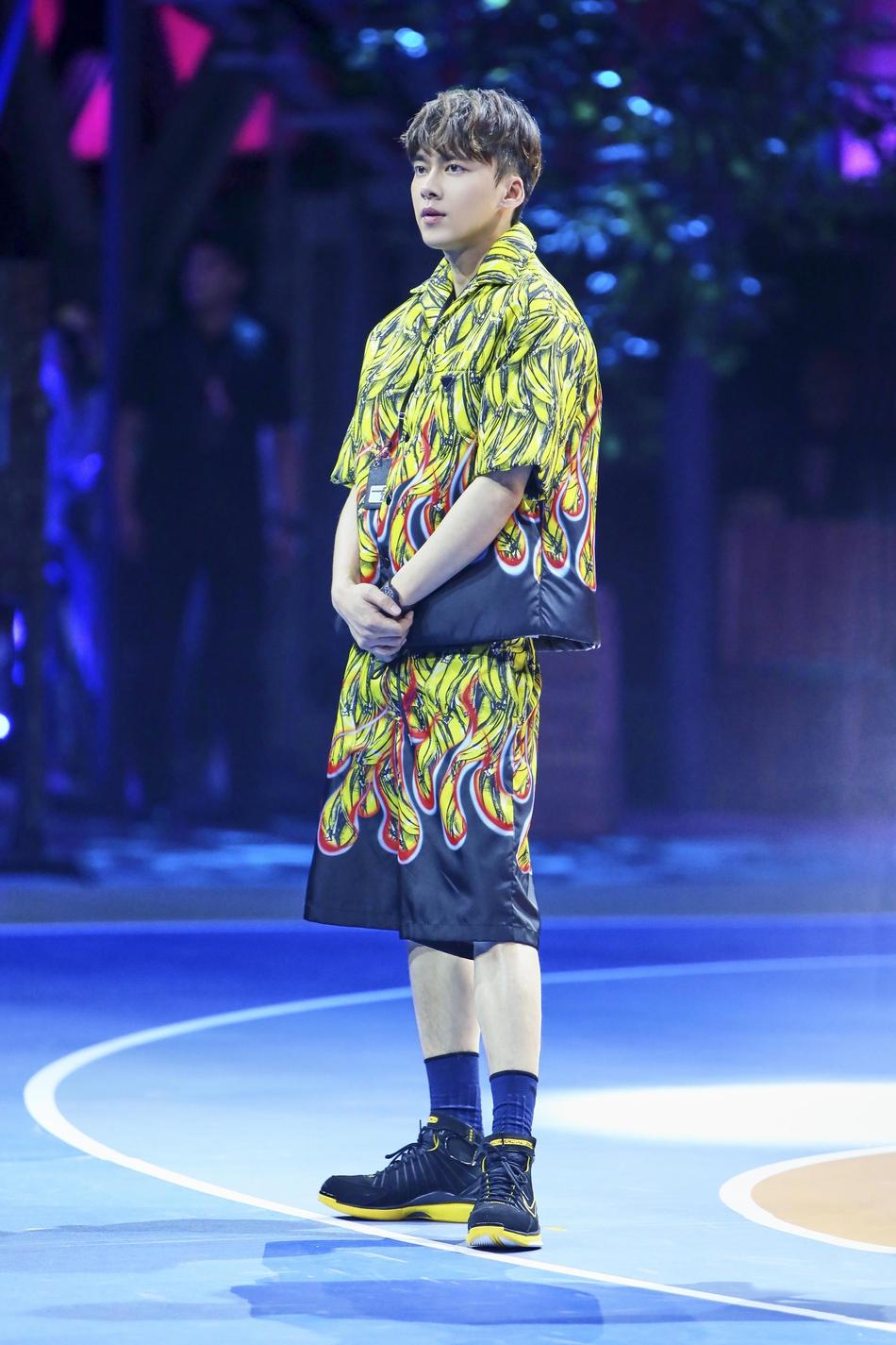 李易峰香蕉印花套装 玩味街头风潮