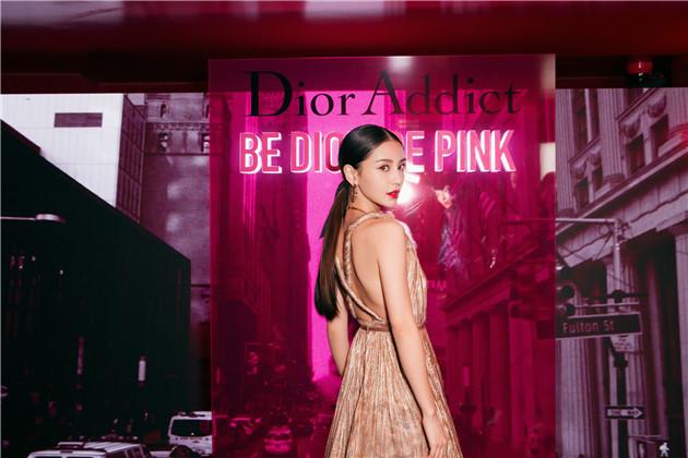 baby现身Dior派对