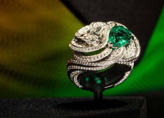 COLORATURA系列高级珠宝- GREEN CLAIR OBSCUR戒指