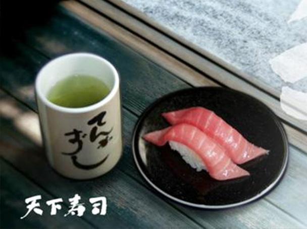 在东京人均一百rmb能够吃什么美食?