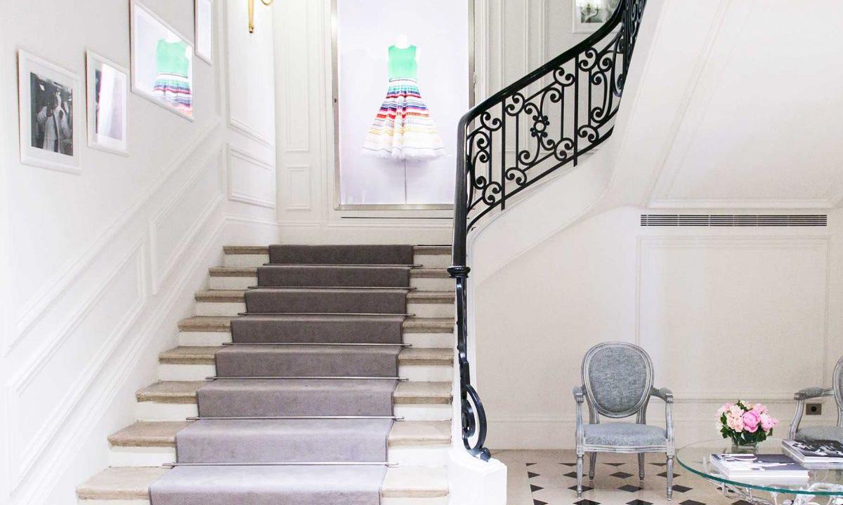告别蒙田大道 DIOR 巴黎总部将迁移至香榭丽舍大街