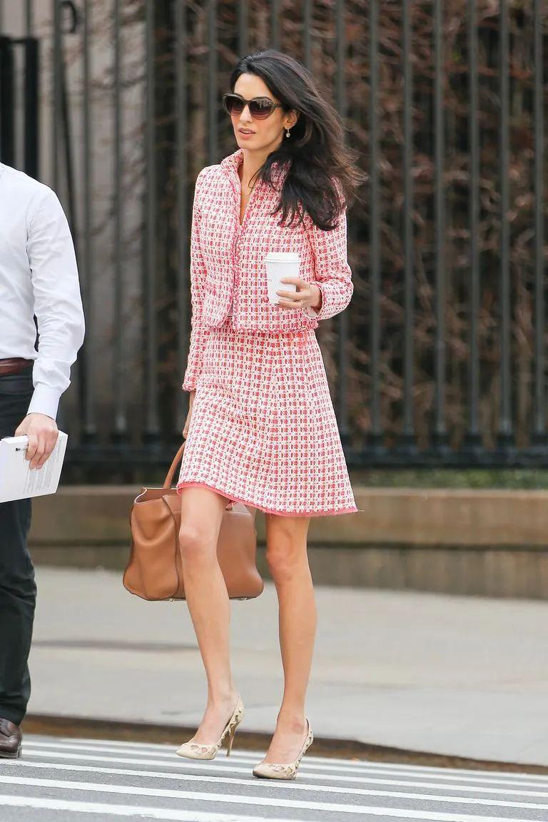 聪明的女人运气才不会太差 跟着律师Amal Clooney学穿搭