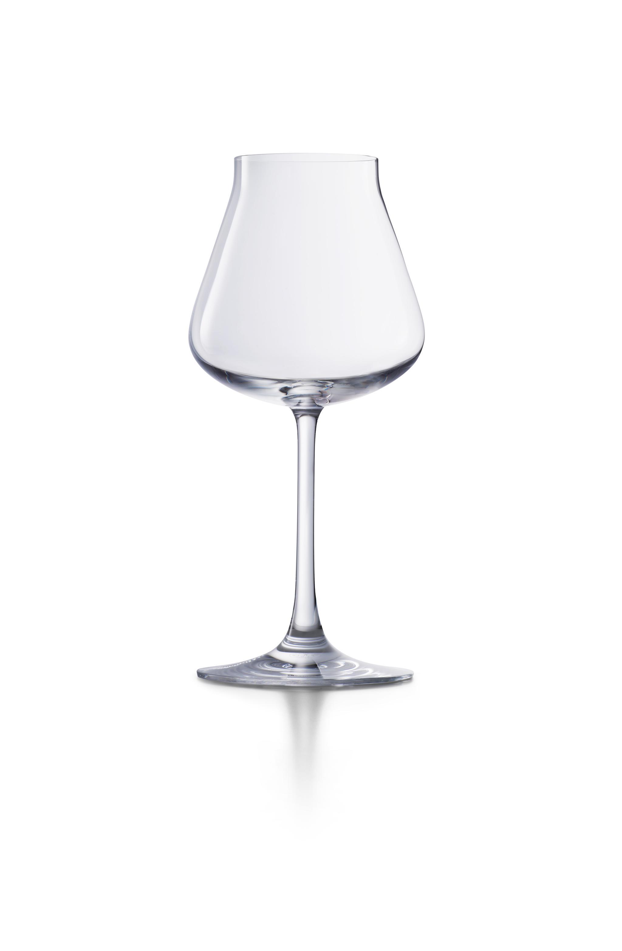 巴卡拉酒庄葡萄酒杯单品图