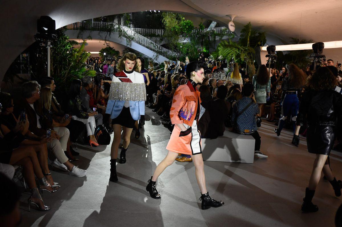 LV 蝉联全球最具价值奢侈品牌Louis Vuitton路易威登奢侈品牌