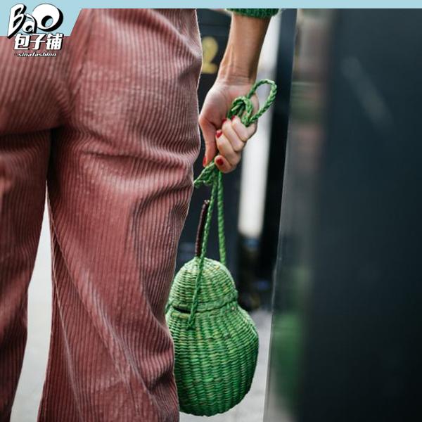 墨绿色竹筒包