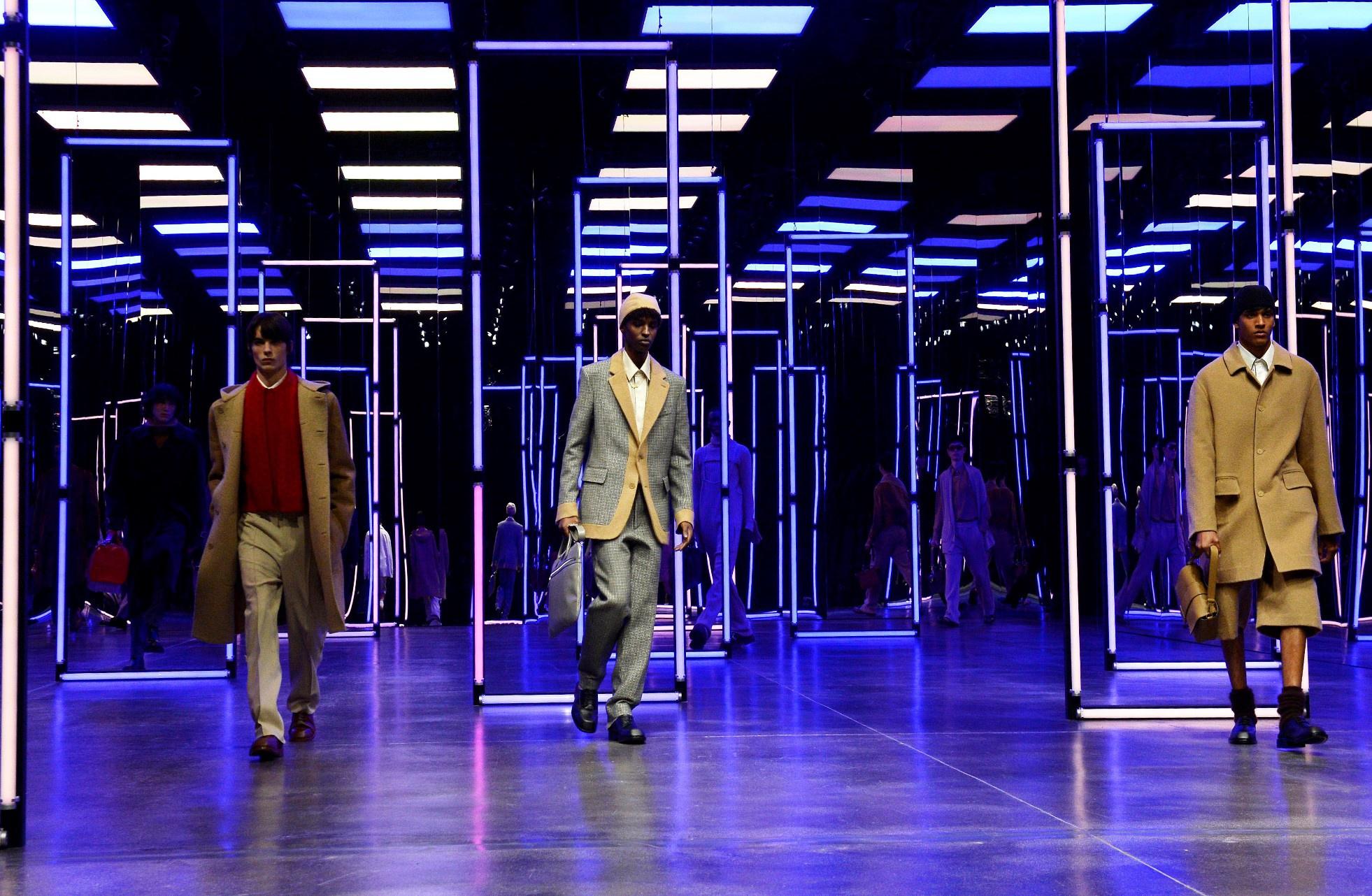 FENDI 2021秋冬男装系列:在需要互相关怀的时代 这些男人先乐观了起来