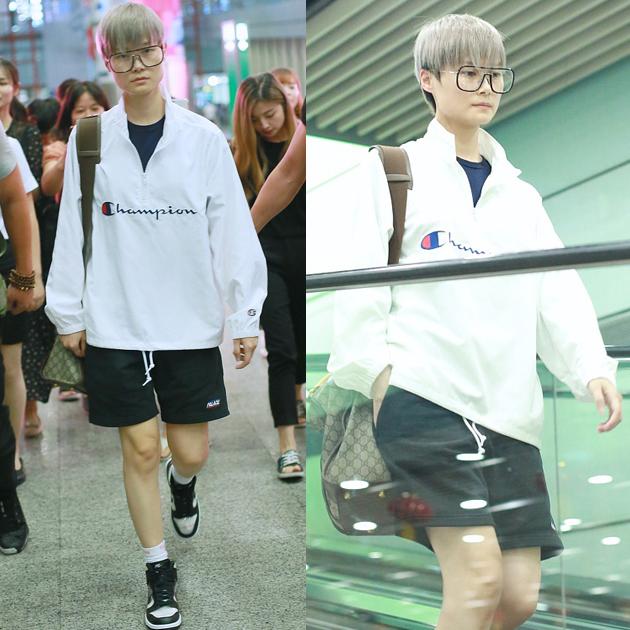 李宇春的运动风短裤造型