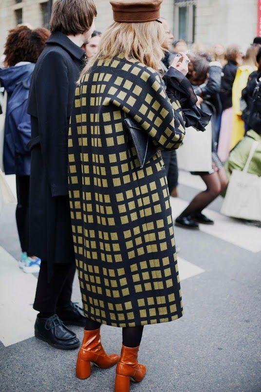 正方形格纹大衣街拍