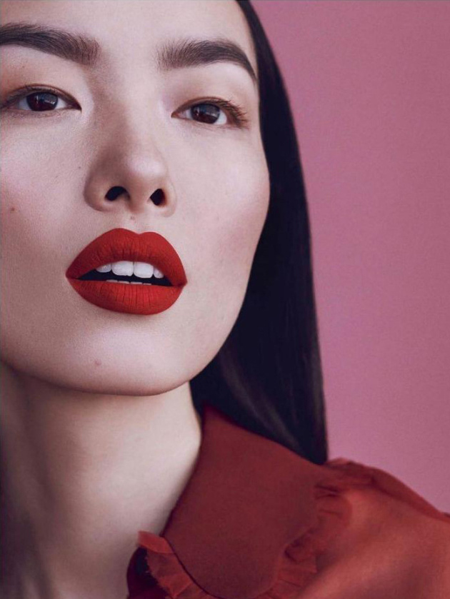Vogue-Espana-April-2018-Beauty-Supplement
