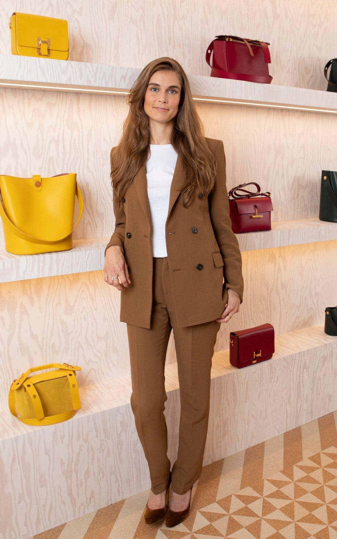 患疾病难以正常工作 英国设计师Sophie Hulme将关闭个人品牌Sophie Hulme