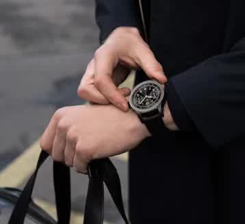 Montblanc万宝龙Summit智能腕表