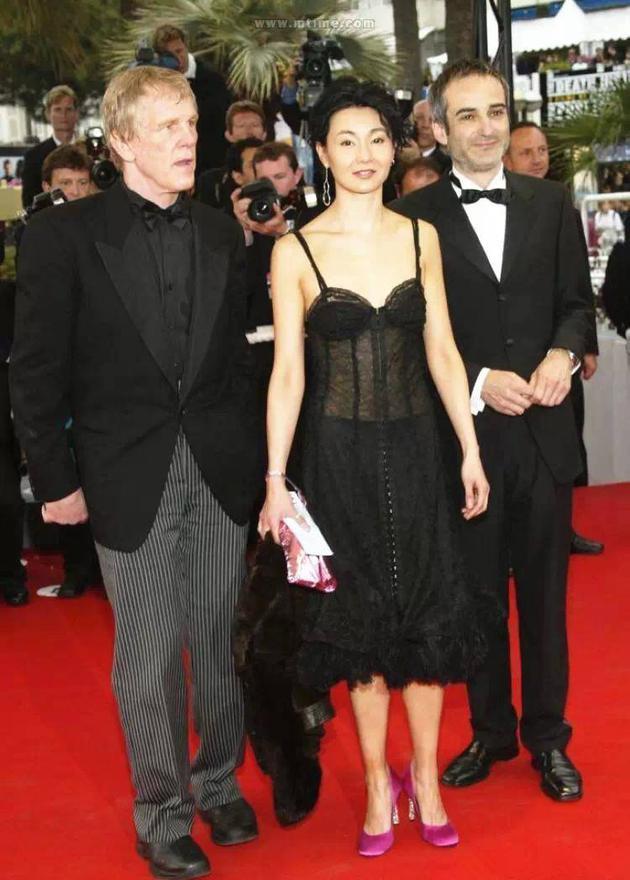 张曼玉在第57届戛纳电影节的红毯造型