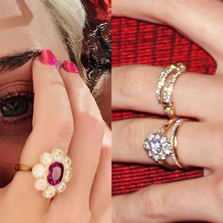 """两枚""""开花""""订婚戒指对比"""