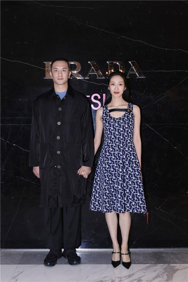 黄觉与麦子出席Prada Invites系列庆祝酒会