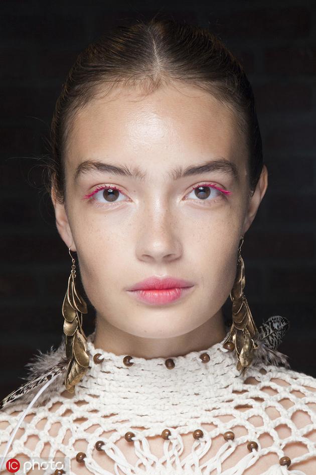 纽约2019春夏时装周:Ulla Johnson妆容 彩色睫毛