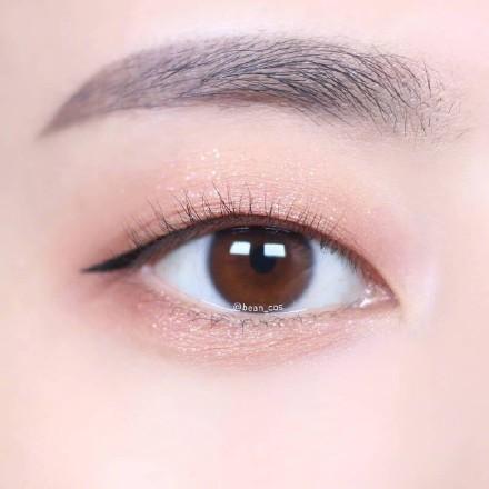 单眼皮眼线画法(图片来自微博)