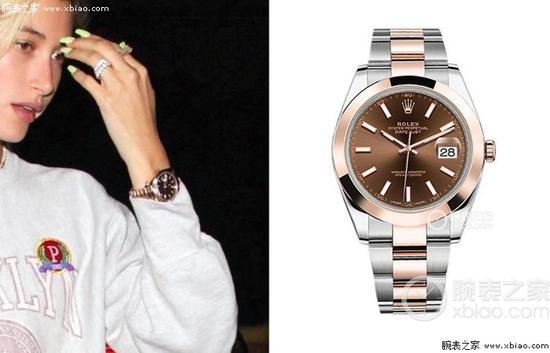 海莉佩戴劳力士日志型系列126301棕色盘蚝式表带腕表