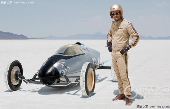 高速赛车手佩戴柏莱士腕表