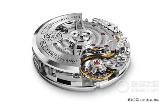 万国新款青铜飞计使用的万国自产69000系列计时机芯。