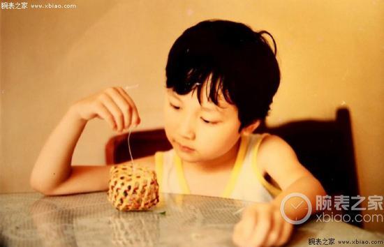 幼年的冯绍峰