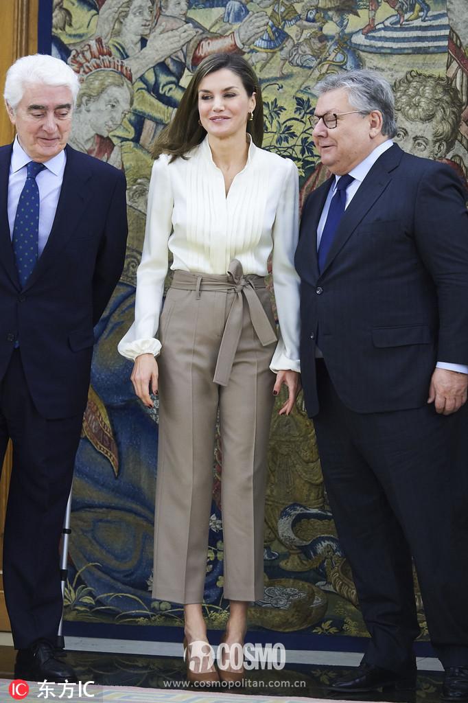 西班牙王后莱蒂齐亚在扎祖勒皇宫会见联合国儿童基金会委员会代表