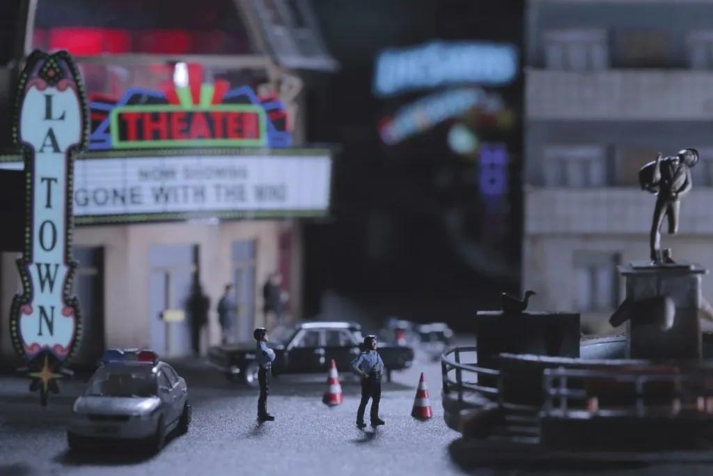 """曹斐,《La town》,2014年,视频,41'58"""",艺术家、维他命空间与Sprüth Magers供给"""