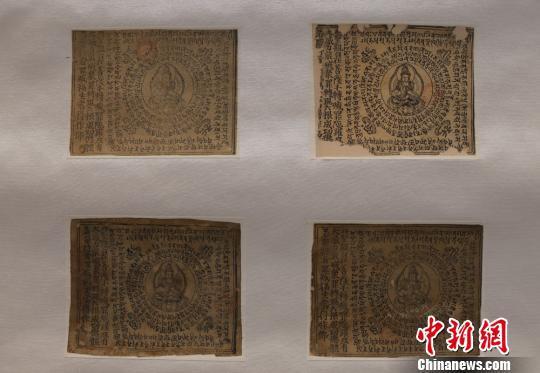 展出作品均为莫高窟藏经洞出土、现流散海外文物的复制品,包括东晋十六国到北宋的绢画、纸本画、印刷品、经卷等。