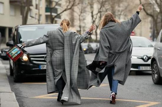 无需动脑 这些单品自带时尚感还保暖
